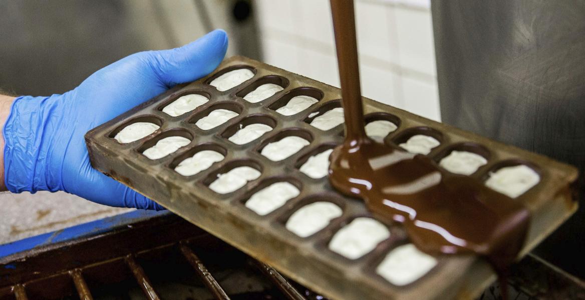 Explosión en una fábrica de chocolates