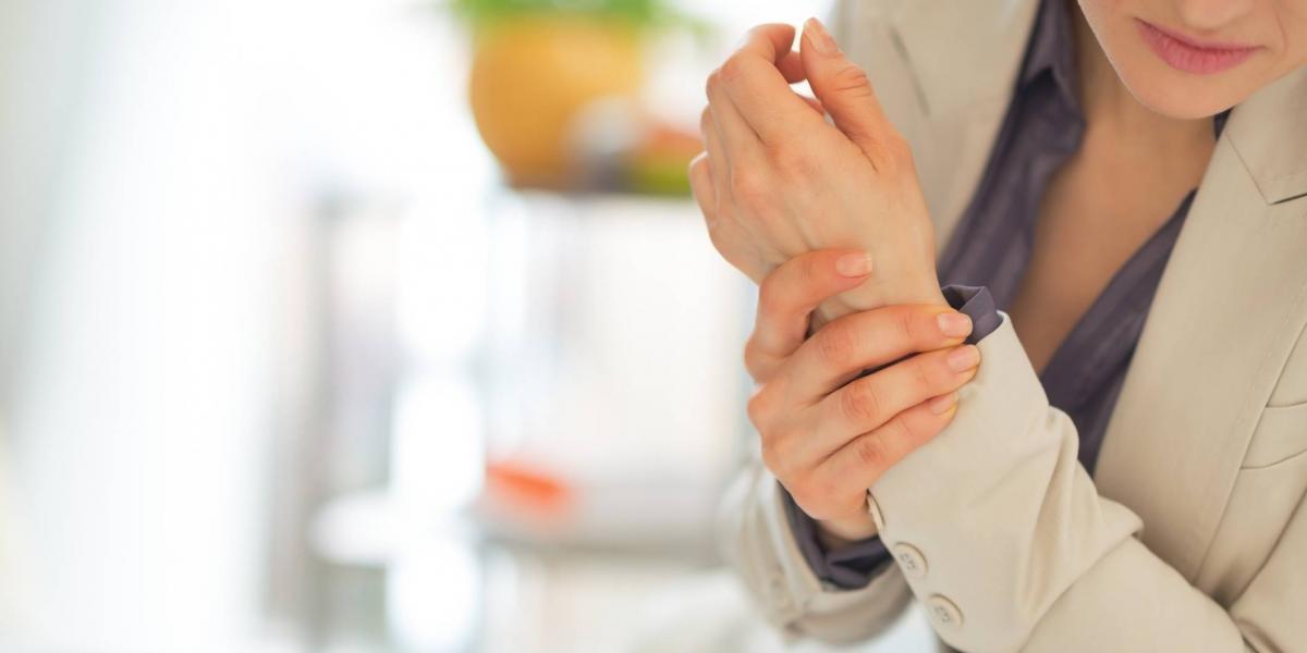 Mujeres son más propensas a la artritis reumatoide