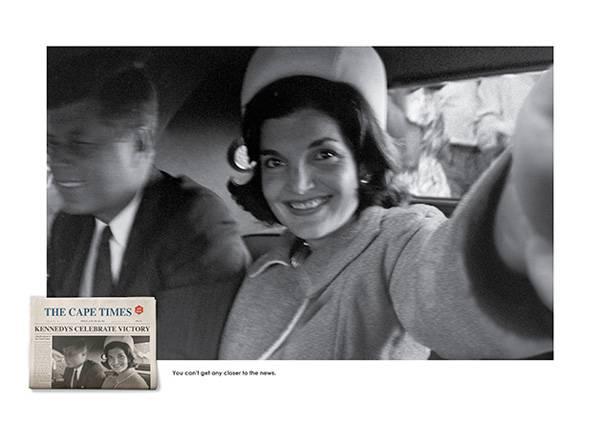 John Kennedy com a sua mulher, Jackie, comemorando a vitória da eleição para presidente dos EUA Reprodução/Cape Times