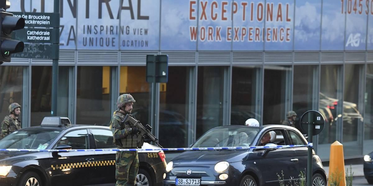Policía frustra ataque de hombre con explosivos en estación de tren de Bruselas