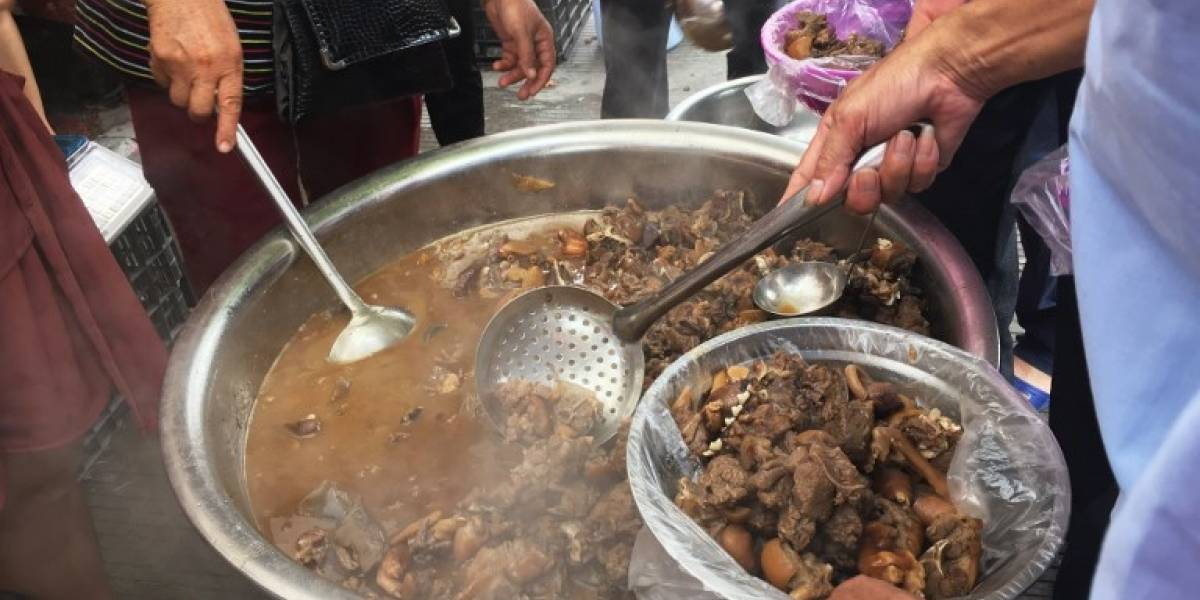 Perro estofado con arroz: el plato estrella de la mayor fiesta para consumir carne canina en China