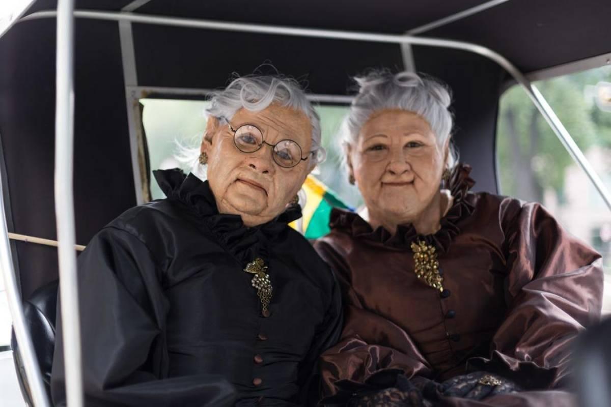 Integrantes de la 3ra Edad. En la foto se observa a personas caracterizadas, sin embargo, es común encontrarse a ancianos marchar FOTO: VICE
