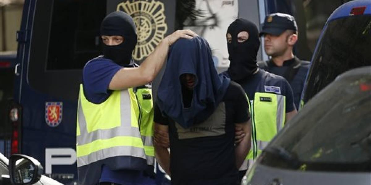 Detienen a tres marroquíes en España por nexos con el Estado Islámico