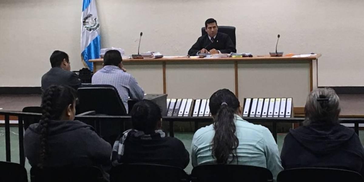 """Hogar Seguro: Subcomisario de PNC dice que el presidente """"ordenó que se siguieran las indicaciones"""""""