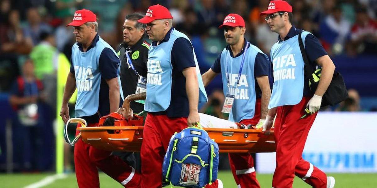 Carlos Salcedo queda fuera de la Copa Confederaciones