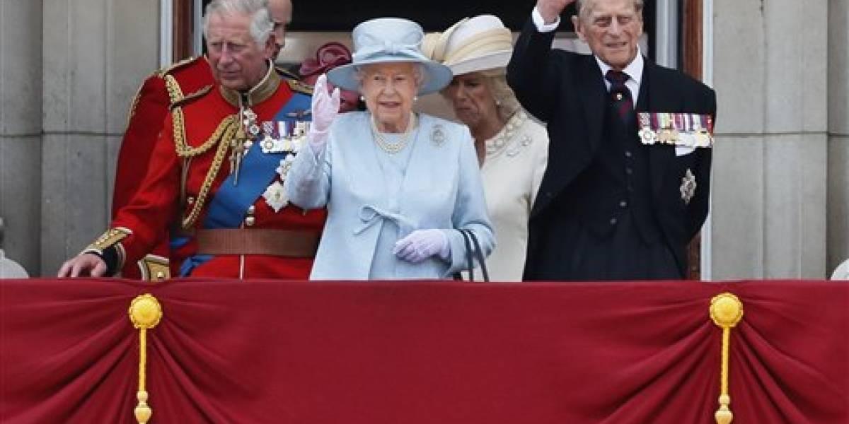 Reina Isabel II presenta ante el parlamento su agenda legislativa basada en el Brexit