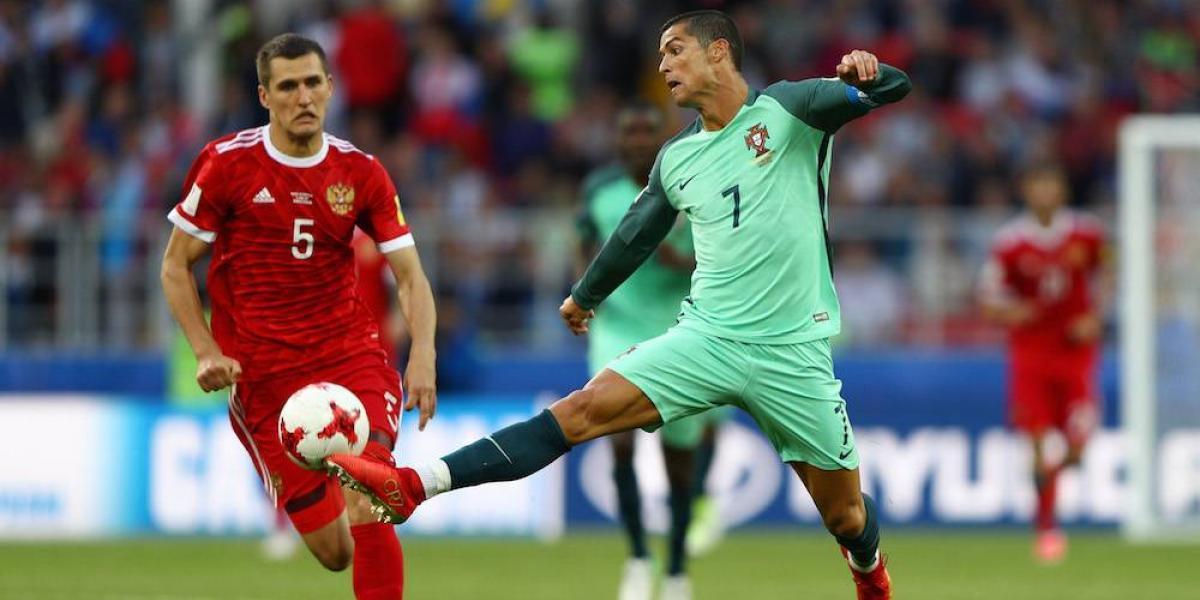 Defensa de Cristiano Ronaldo habría falseado documento para librarlo de culpa