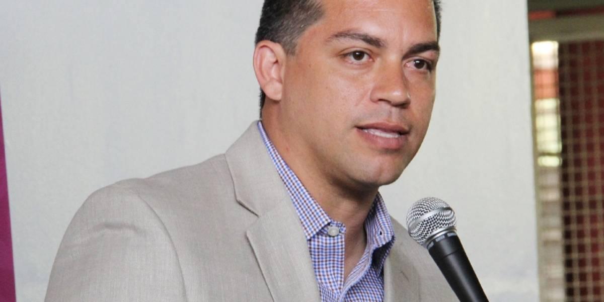 Federales arrestan a exsecretario de Recreación y Deportes