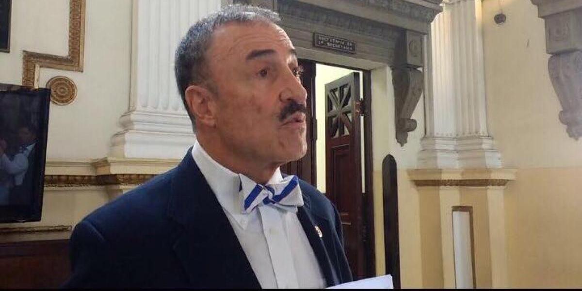 """""""Yo busqué a algunos"""", dice diputado Linares sobre financistas de contrato para cabildeo en EE.UU."""