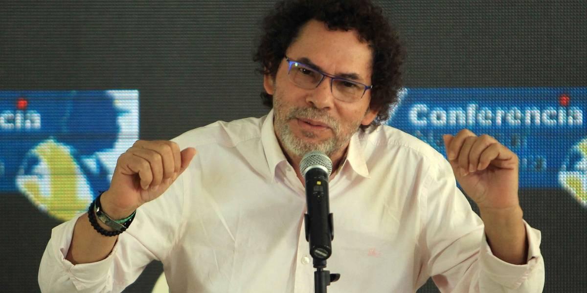 'Alape' desmiente que le entregará su armamento al gobernador de Antioquia