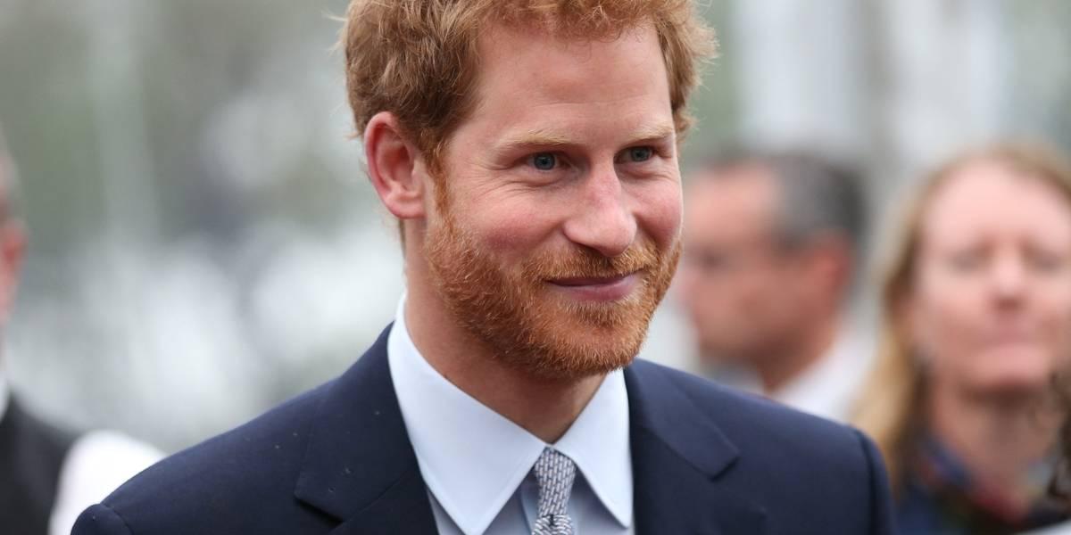 Idosa de 97 anos espera por horas para ver príncipe Harry; veja o desfecho