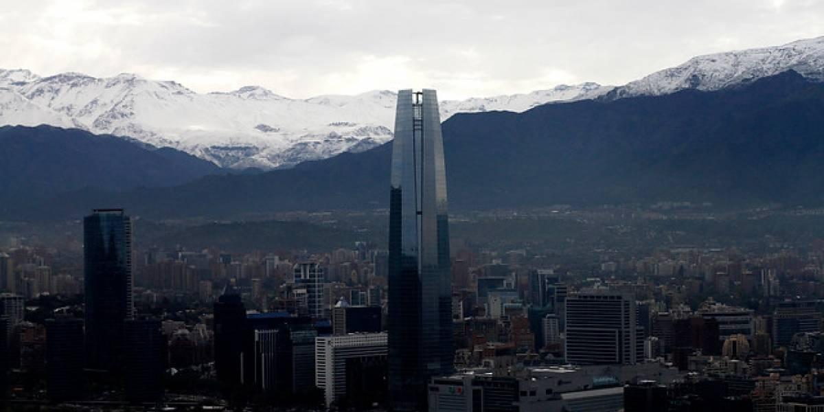 Santiago salta 41 puestos en ranking global pero baja al quinto lugar como la ciudad más cara de Sudamérica