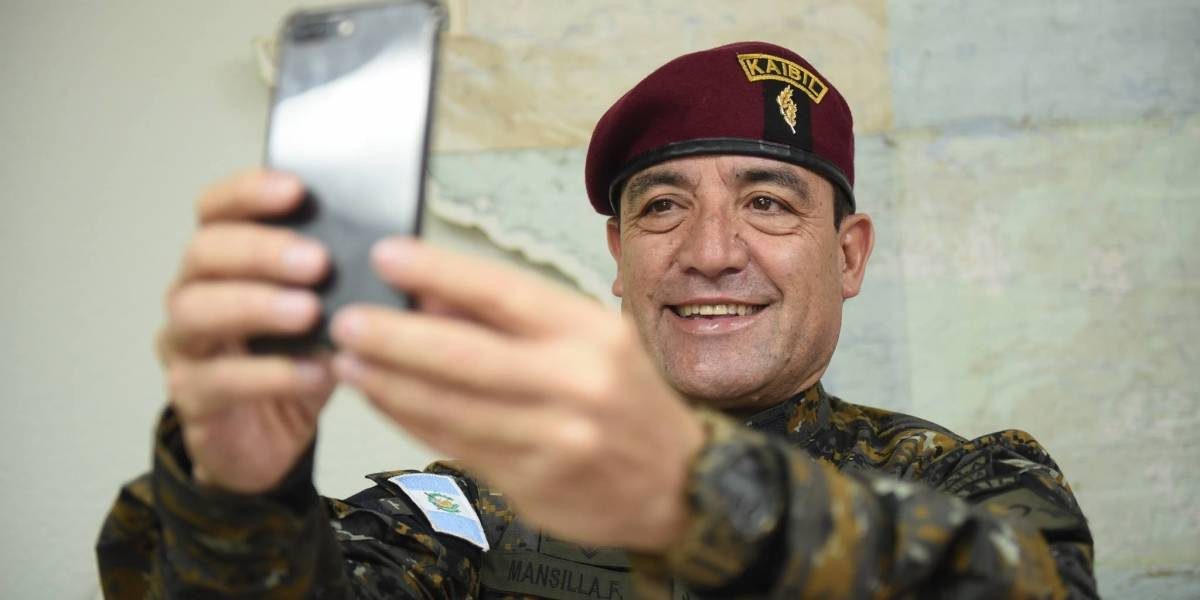 Ministro de la Defensa será reemplazado, dice Jimmy Morales