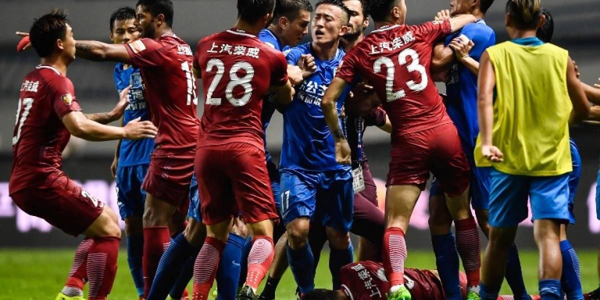 El brasileño Oscar recibe durísima sanción tras una pelea en el fútbol chino