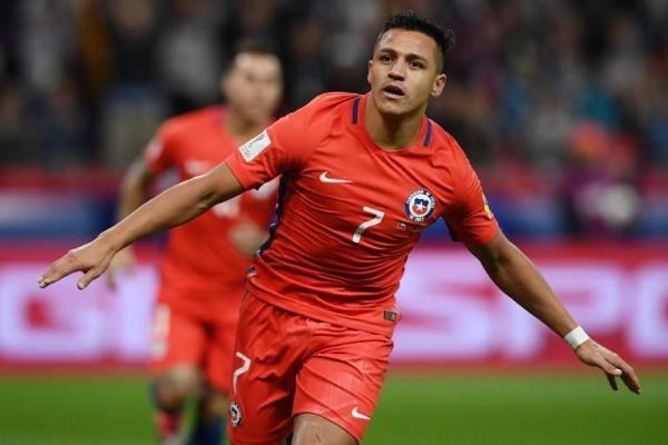Alexis Sánchez llegó a 112 encuentros disputados y 38 goles marcados en la Roja / AFP