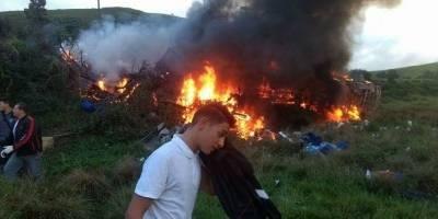 Acidente entre duas ambulâncias, ônibus e carreta deixa 15 mortos no ES