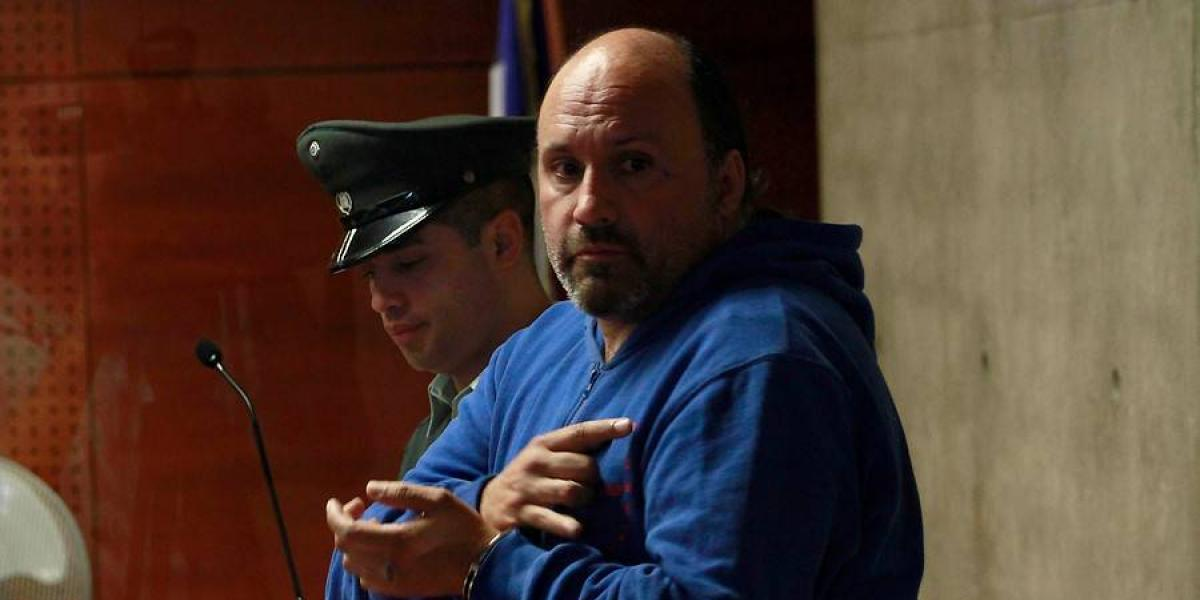 """Kramer: Fiscalía pide ocho años de cárcel para ex líder de la barra de la """"U"""" por infracción a la Ley de Armas y defensa busca libertad"""