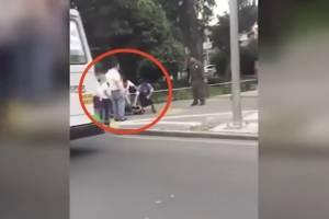 Ciudadanos golpean brutalmente a asaltante en Calzada de Tlalpan