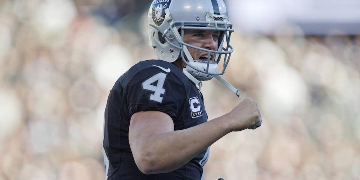 Derek Carr, el mariscal de campo mejor pagado de la NFL