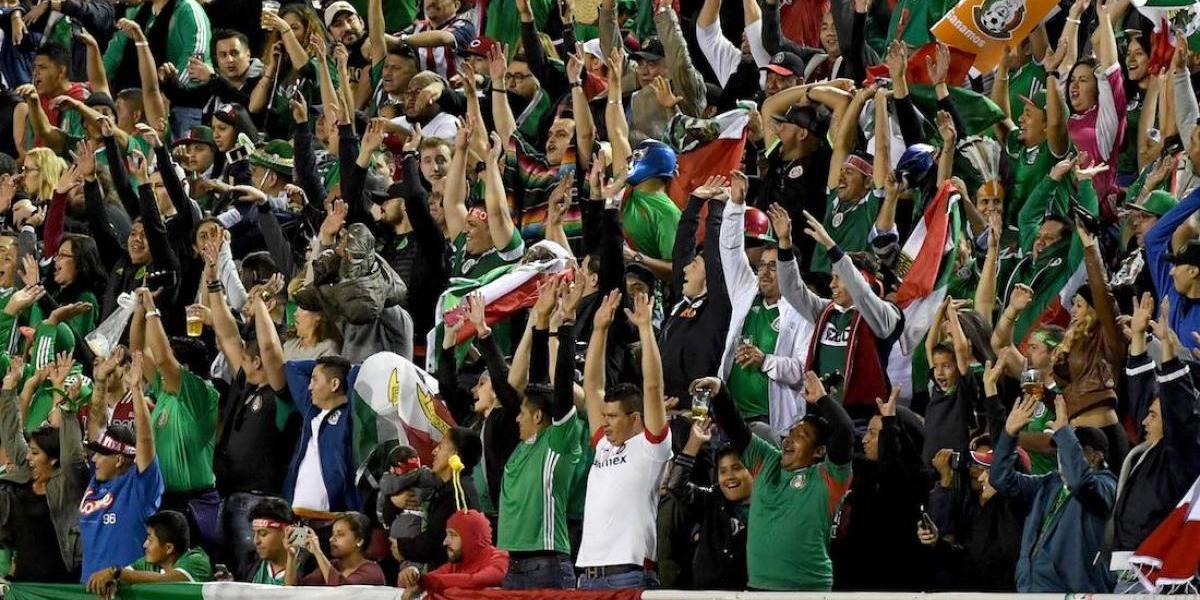 Mexicanos que gritaron 'pu...' deben pagar multa para poder salir de Rusia