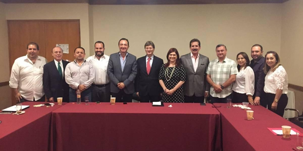 Enrique de la Madrid se reúne con dirigencia del PRI de Nuevo León