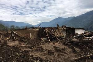 Limpian rastros tras alud en Huehuetenango
