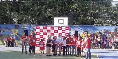 ONG de São Paulo promove reforma de quadra em comunidade