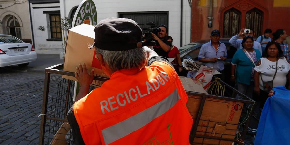 Recicladores callejeros podrán capacitarse y recibir diploma de competencias