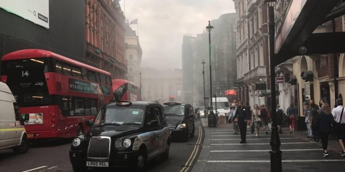 Incendio en Piccadelly Circus vuelve a causar alarma en Londres