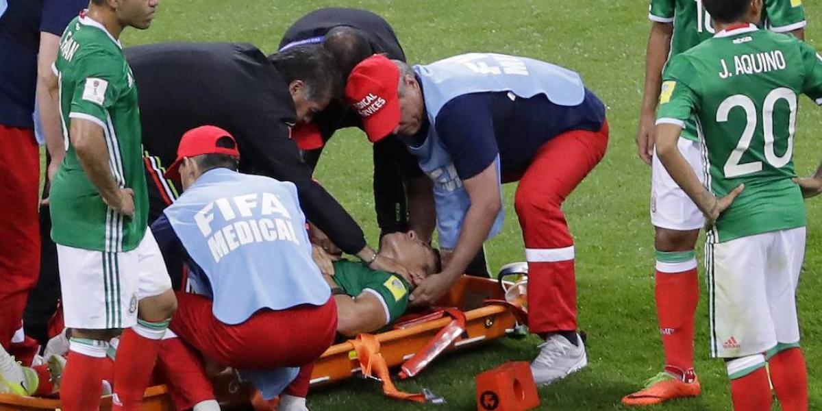 Carlos Salcedo será baja por tres meses tras su lesión con el Tri