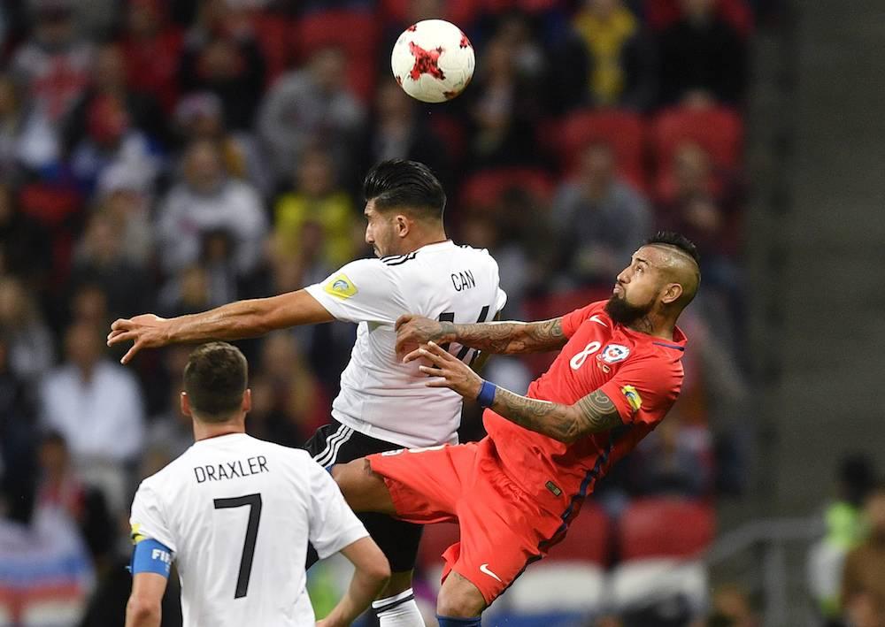 Arturo Vidal luchó pero no pudo anotar. / AP