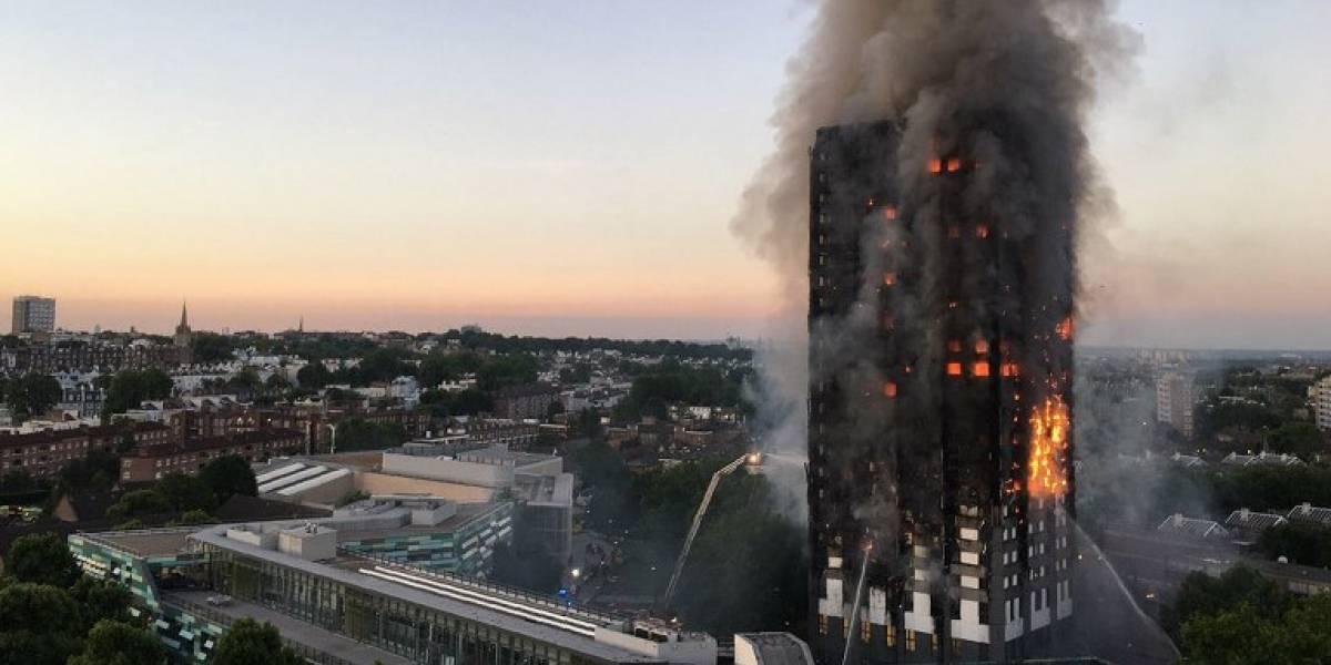 """Unos 600 edificios tienen el """"revestimiento de la muerte"""" que también tenía la Torre Grenfell en Londres"""