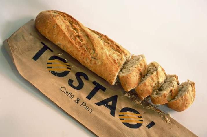 Conozca de dónde viene el pan y el café que vende Tostao