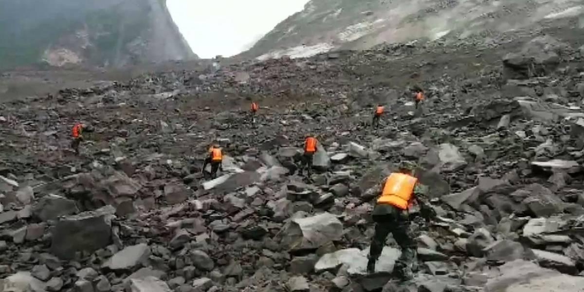 Más de 100 personas sepultadas por alud en China