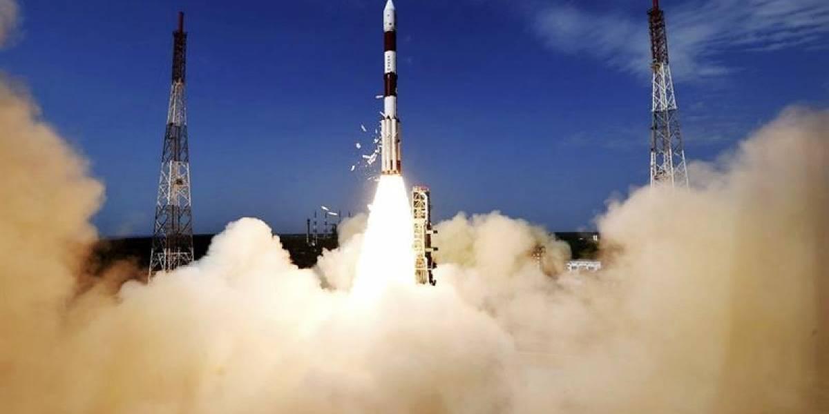 Científicos esperan primer contacto con Suchai 1 tras histórico lanzamiento del satélite chileno