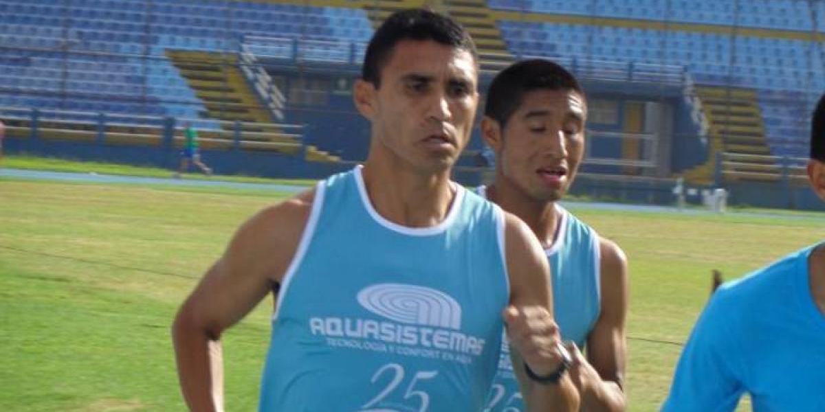 Alfredo Arévalo viaja a Costa Rica y así lo despide la afición