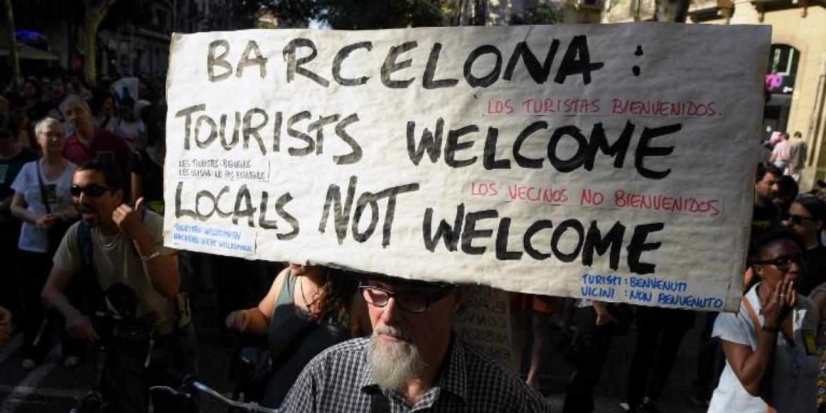 El turismo es el principal problema de Barcelona según sus habitantes