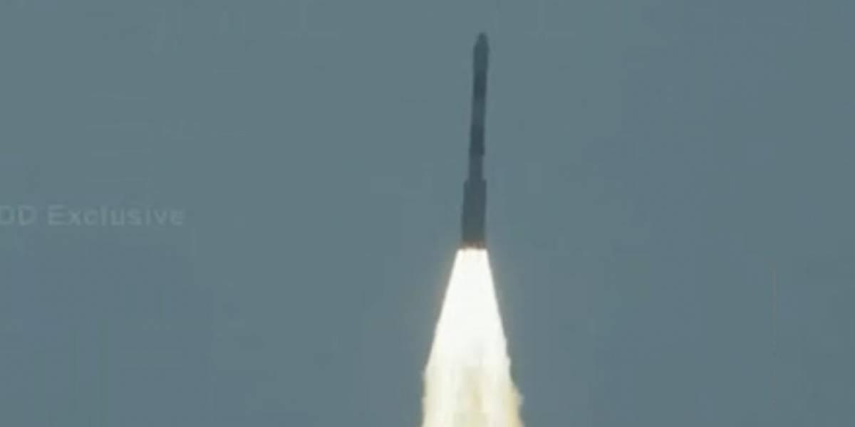 """""""Suchai I"""": Despega con éxito el cohete que lleva al primer satélite 100% chileno"""