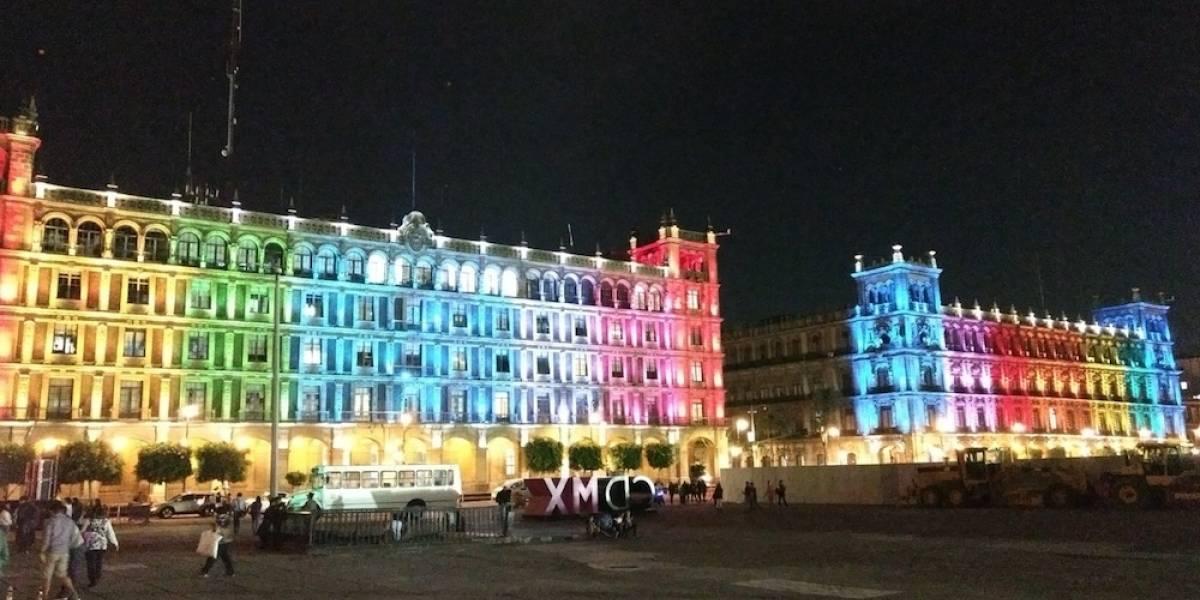 Monumentos de la CDMX se iluminan por el Día del Orgullo LGBT