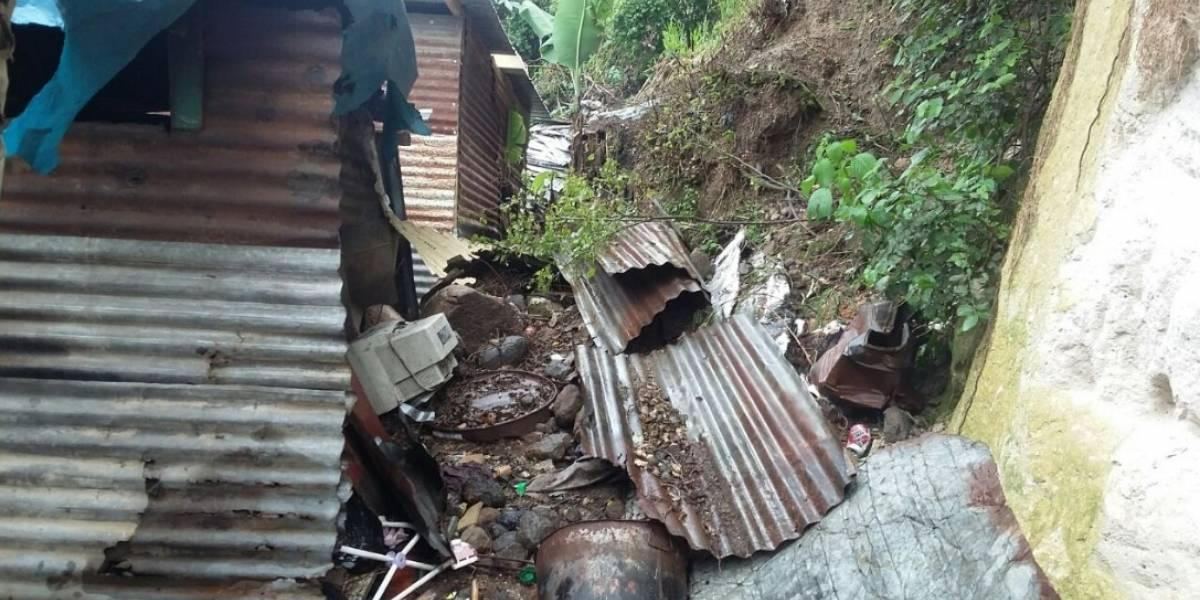 Un puente destruido, inundaciones y ocho derrumbes por lluvias de las últimas horas