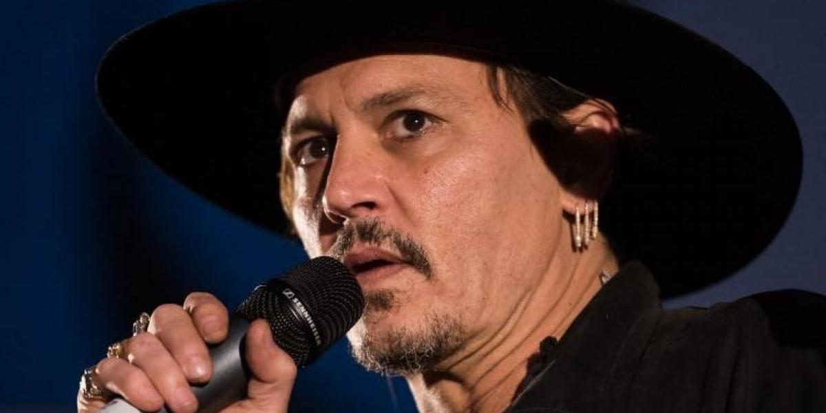 La polémica pregunta de Johnny Depp al público del festival de Glastonbury