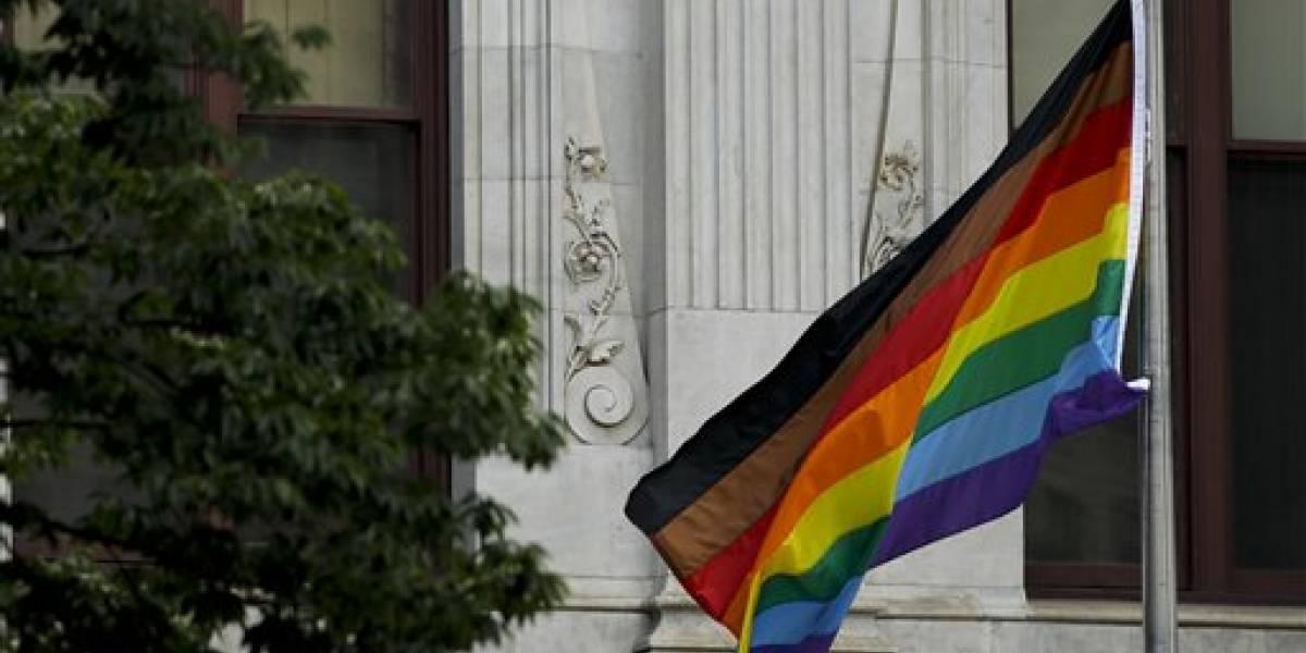 Protestas por discriminación en festejos del orgullo gay