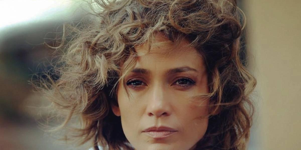 Le llueven las críticas a Jennifer López por imagen en la que falló con Photoshop