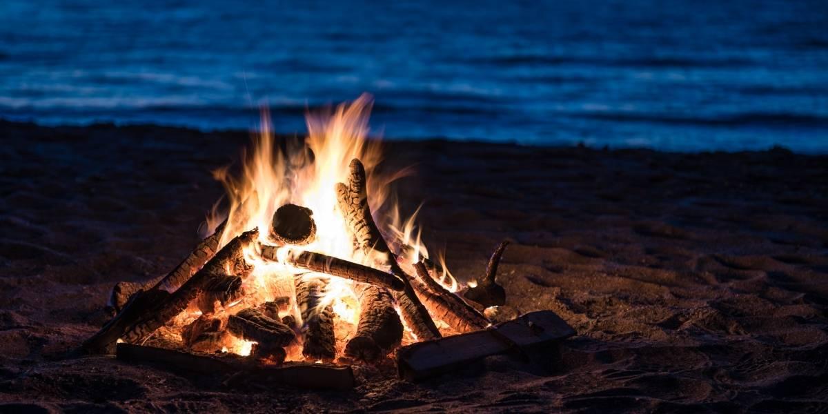 Fuego y agua se conjuran en la Noche de San Juan