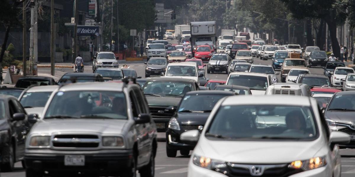 Hoy no circula sabatino: descansan automóviles con holograma 2 y 1 placa impar