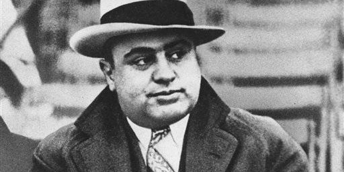 Subastan pertenencias de famoso gangster en $100 mil