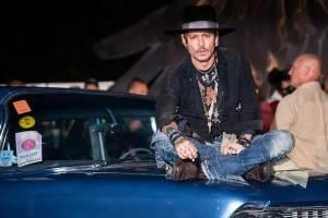 Johnny Depp bromea sobre asesinato de Trump, luego se disculpa