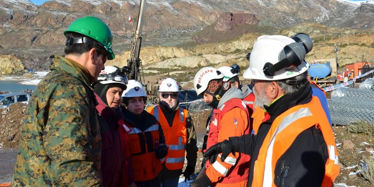 """Mineros atrapados en Chile Chico: Sindicato de Delia II anunció que no """"bajará los brazos"""""""