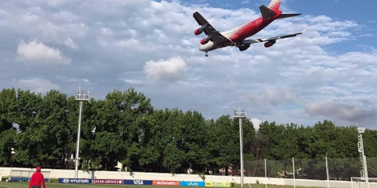 Equipos en Copa Confederaciones entrenan bajo ruta de aviones