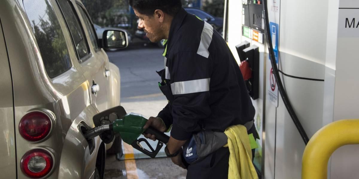 Gasolinas y diésel se venden más baratos este sábado